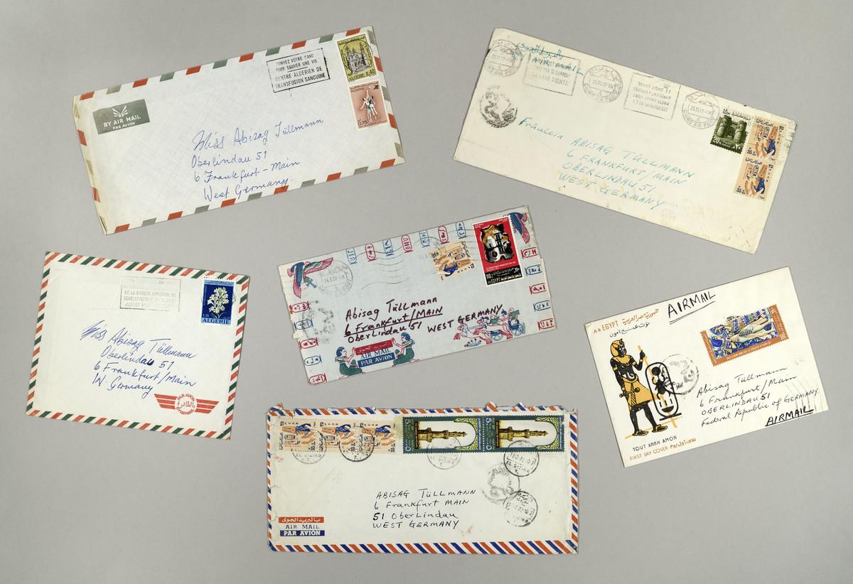 Briefumschläge von Briefen aus Algerien und Ägypten an Abisag Tüllmann (1970er Jahre) -